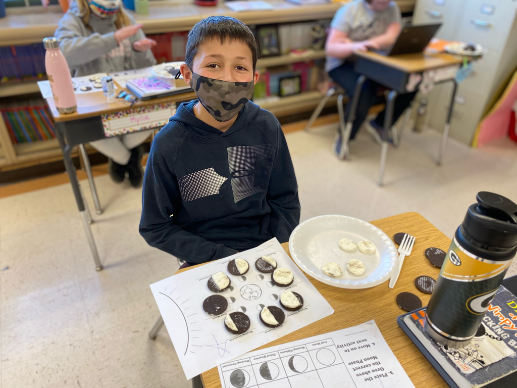 Identifying lunar phases with Oreos.