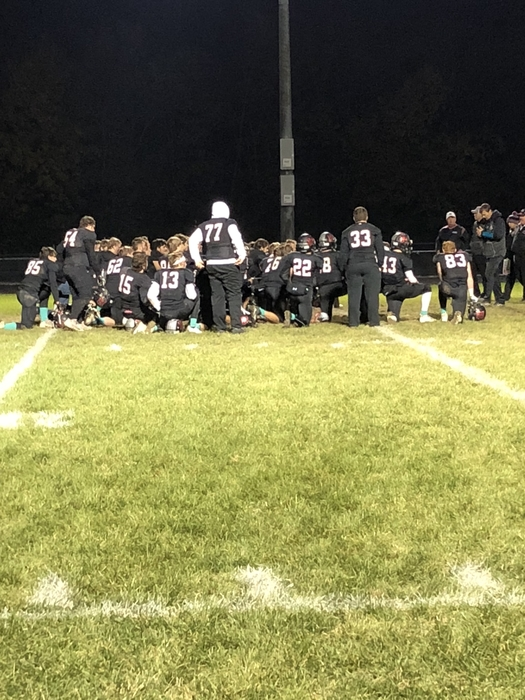 HHS Football on to quarterfinals-