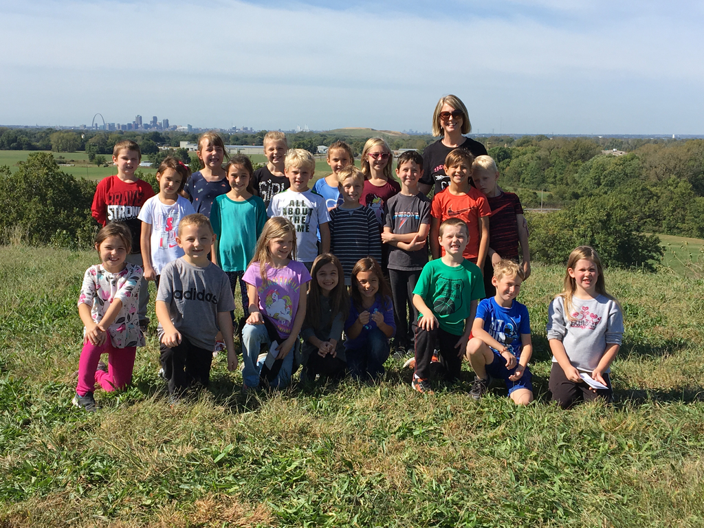 Mrs. Smith's class makes it to the top of Monks Mound!