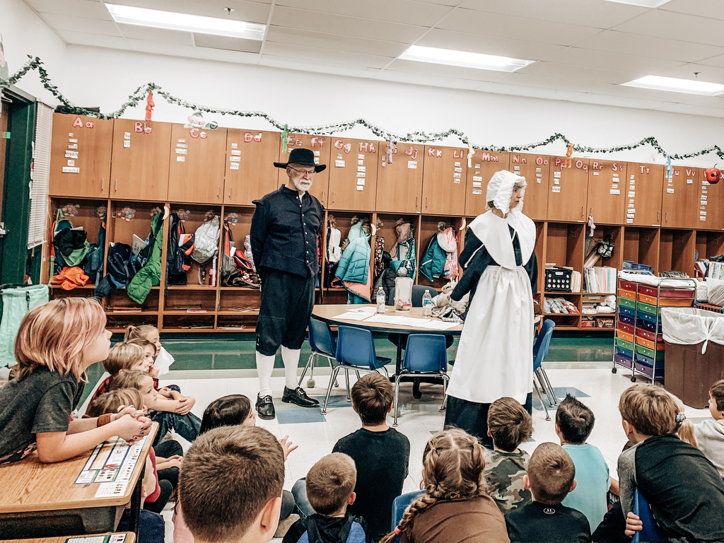 Our Alhambra Primary students enjoyed learning about the pilgrims this morning.  The students learned all about the trip the pilgrims took on the Mayflower and the first Thanksgiving. 🦃