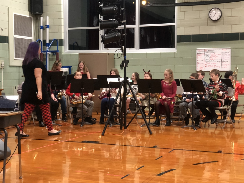 Fifth grade band students gave a remarkable performance.