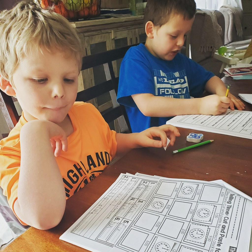 E learning in kindergarten and brother ( 2nd)